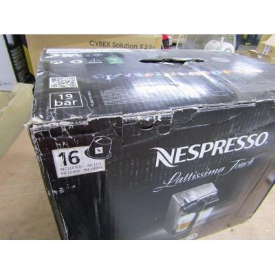 BAZAR - Espresso DeLonghi Nespresso EN550.S Lattissima Touch - poškozený obal + prošlé kapsle